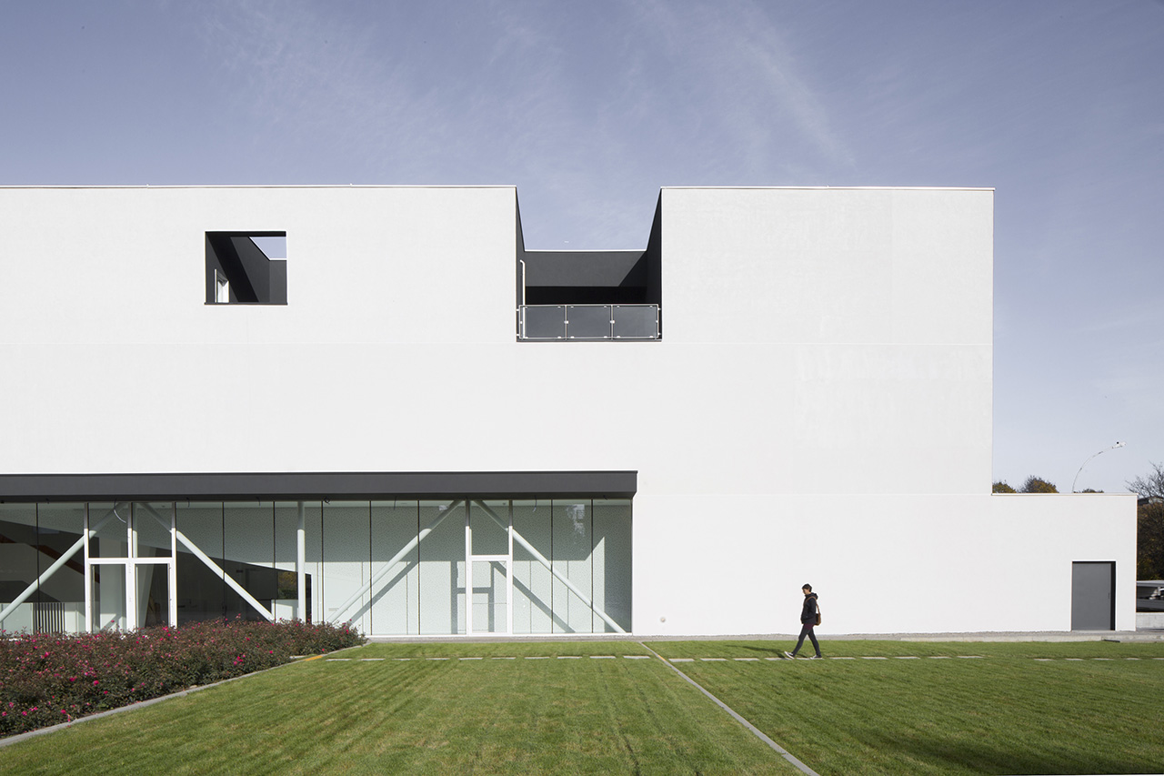 Powerful, clean lines define the exterior of the building.