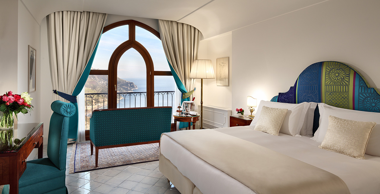 Deluxe sea view room.