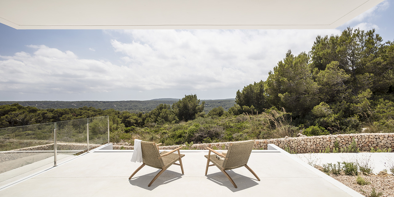 Balcony that looks out to the luscious protected green area.