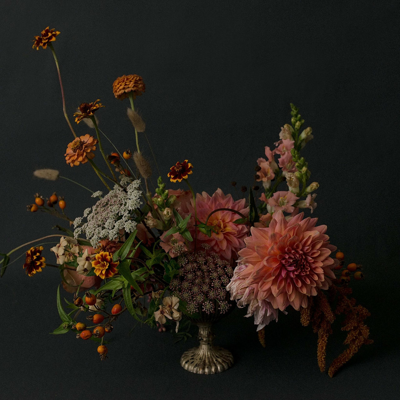 We love Eriko's use of cooler tones for her floral arrangements - a surprising twist to conventional standards of what constitutes as a beautiful floral arrangement.