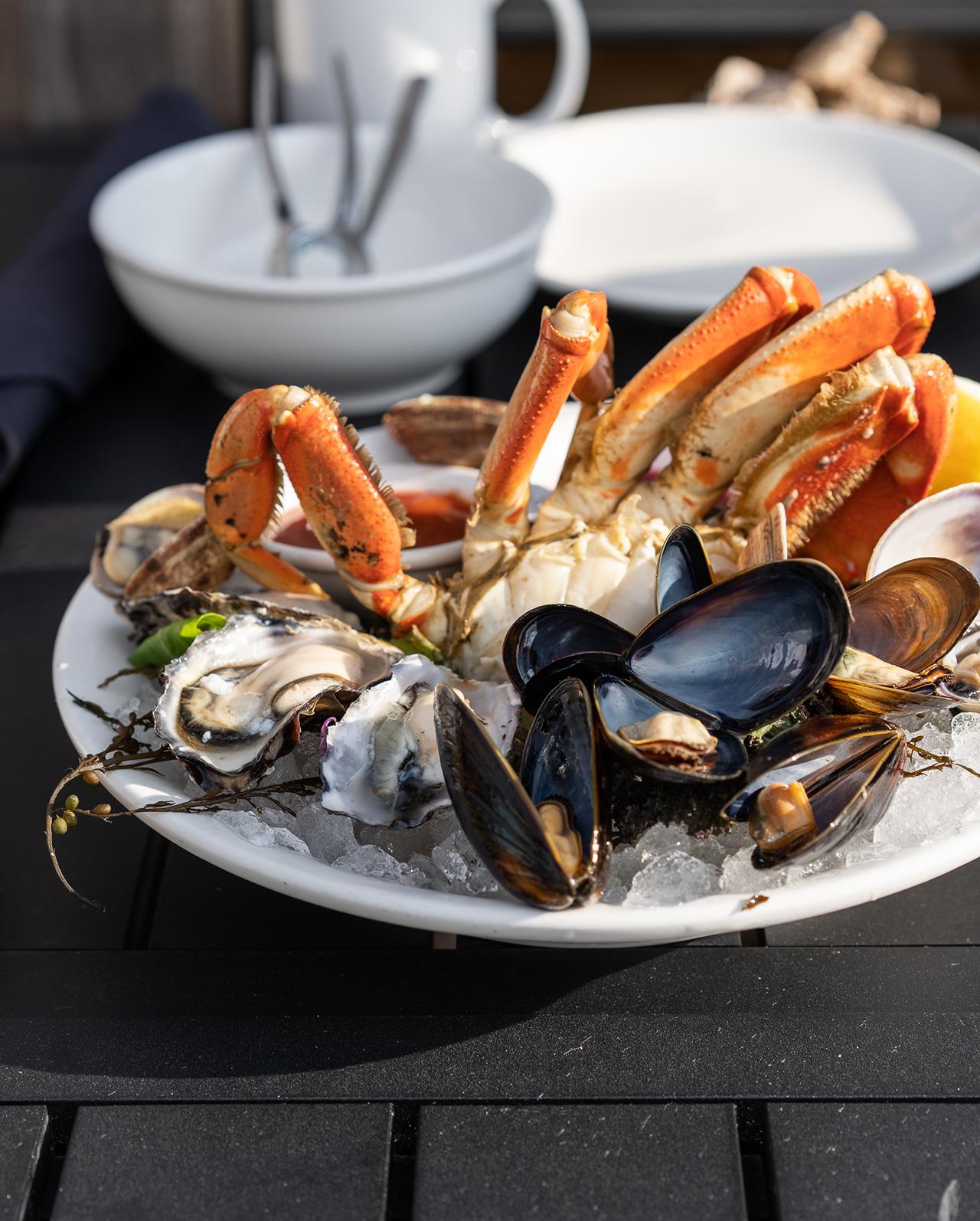 Half seafood platter.