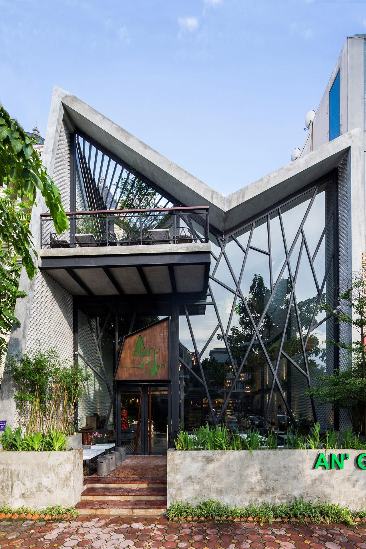 an-garden-cafe-le-house-architecture-public-and-leisure-vietname-hanoi_dezeen_2364_col_7_1280px.jpg