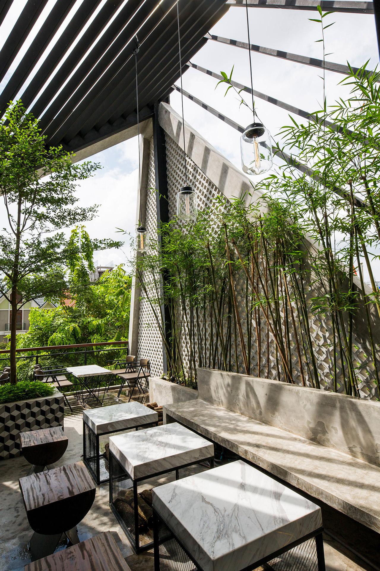 an-garden-cafe-le-house-architecture-public-and-leisure-vietname-hanoi_dezeen_2364_col_1_1280px.jpg