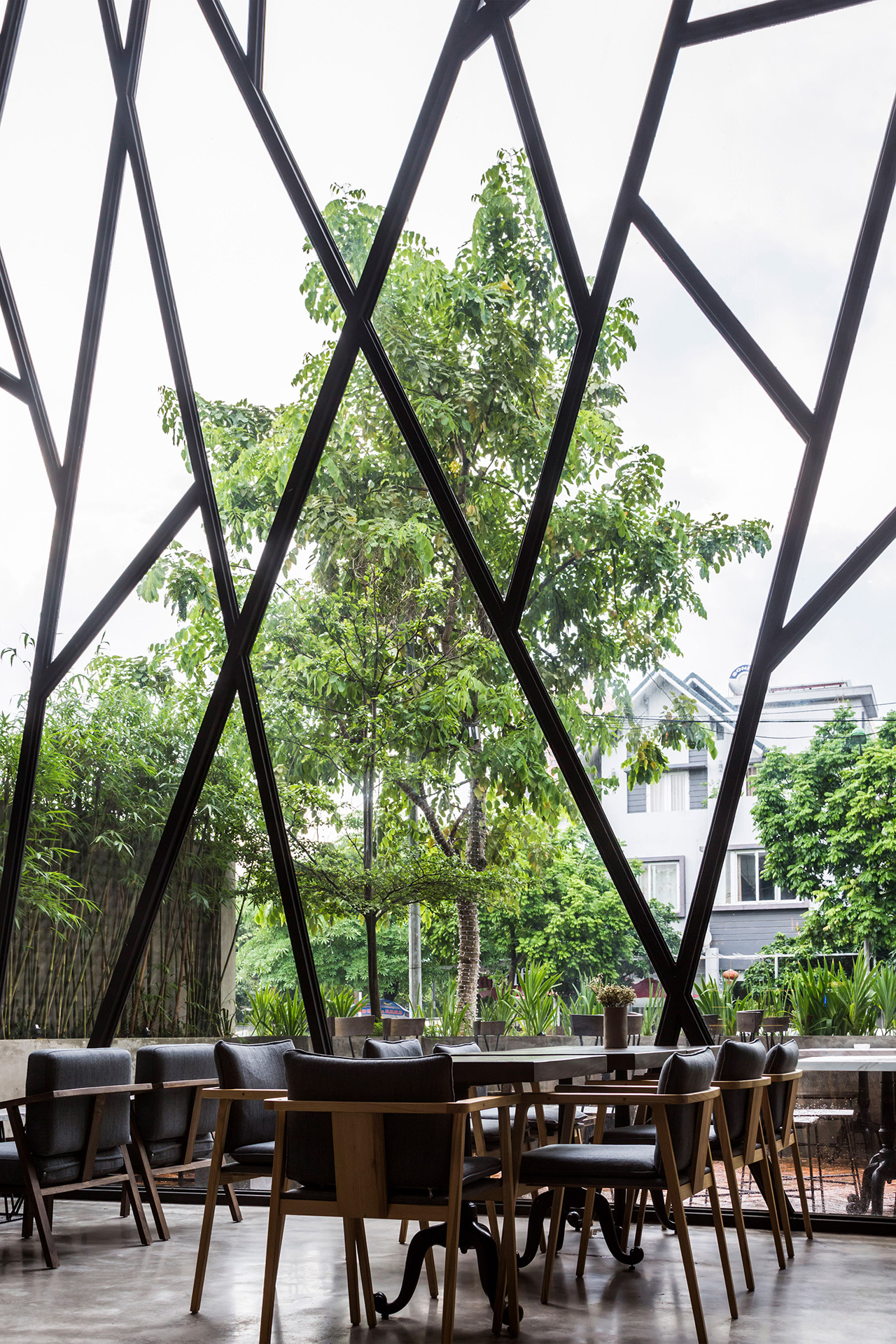 an-garden-cafe-le-house-architecture-public-and-leisure-vietname-hanoi_dezeen_2364_col_25_1280px.jpg