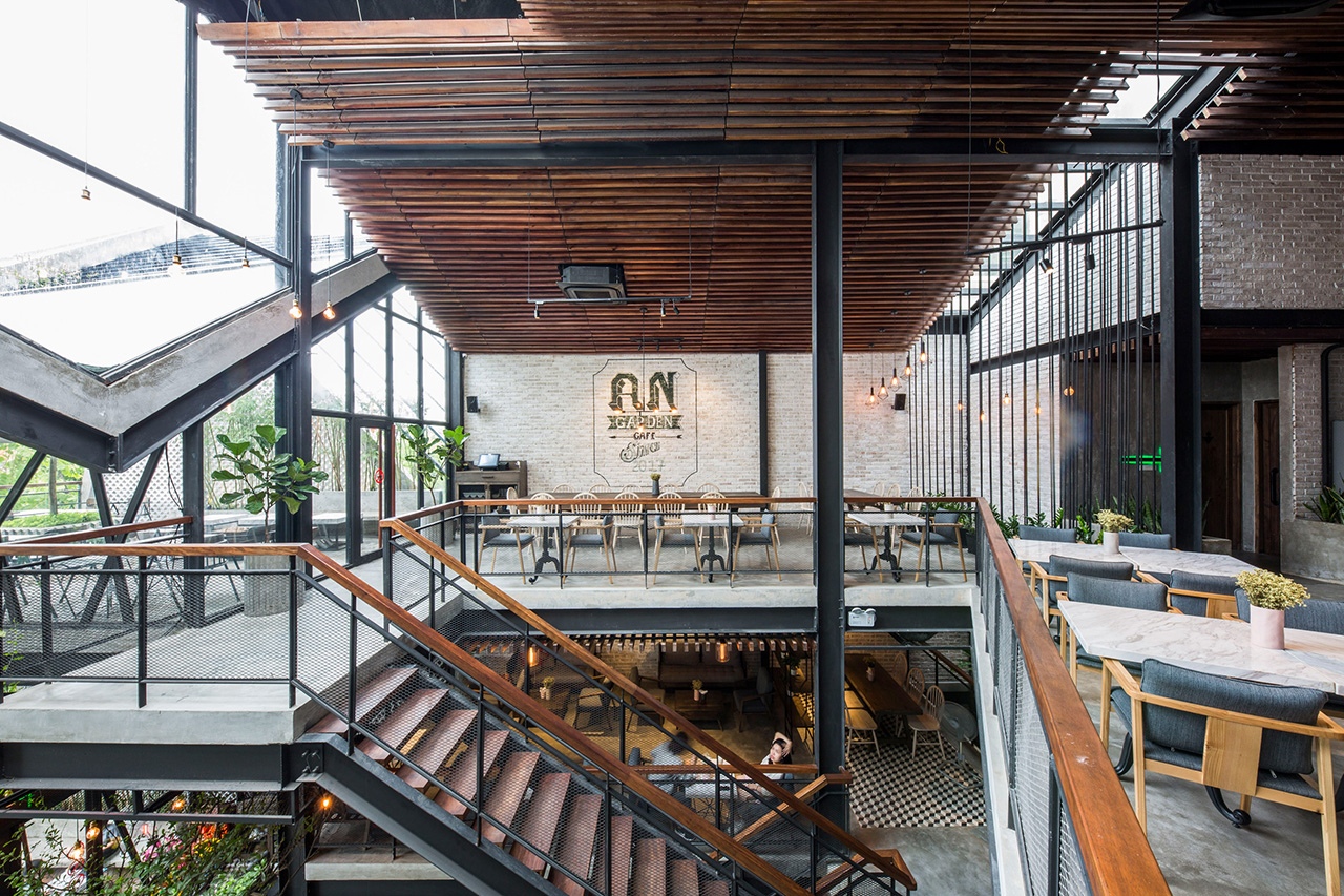 The third and highest floor of An'garden offers a bright and airy space
