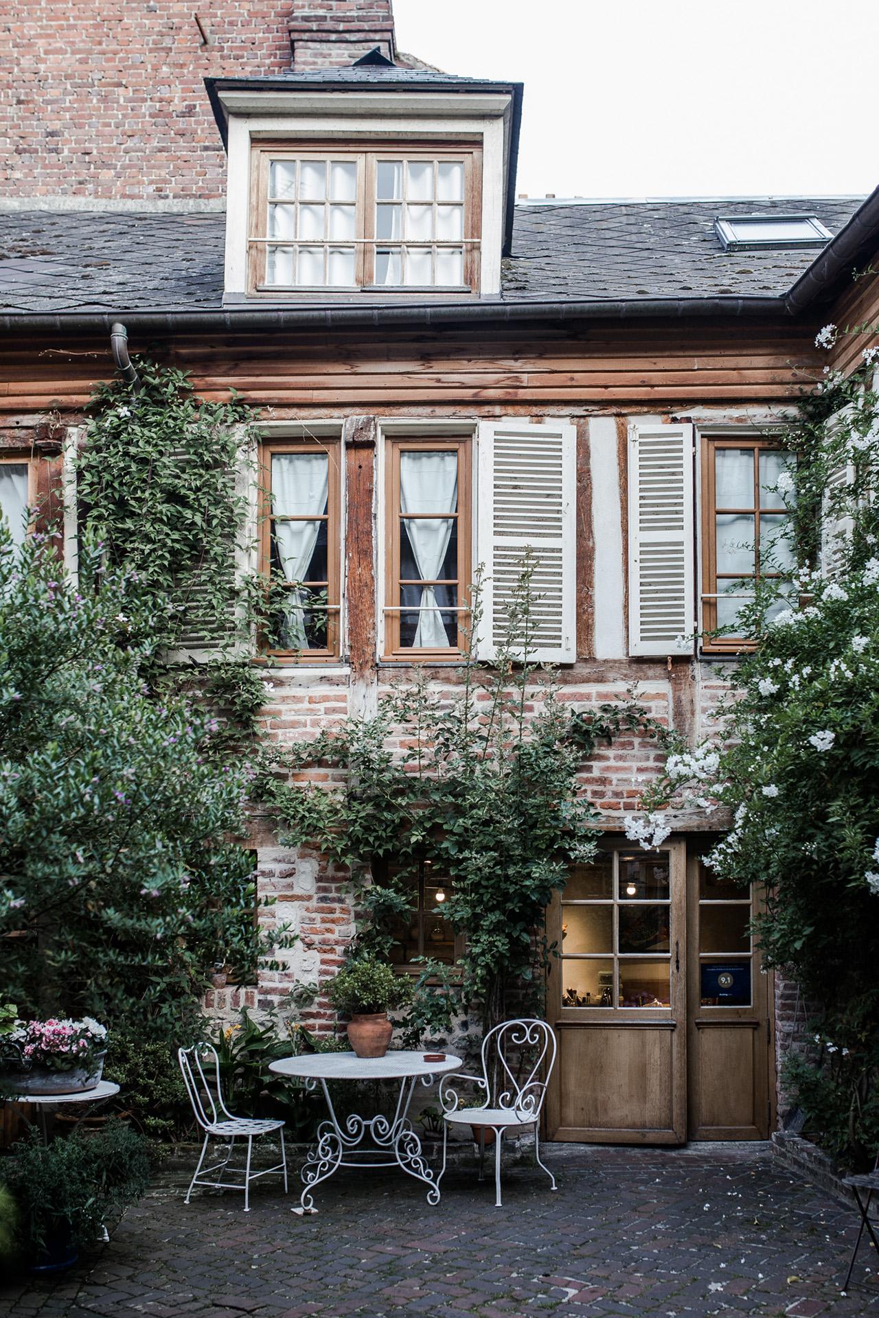L'école buissonnière - Tea room and hotel