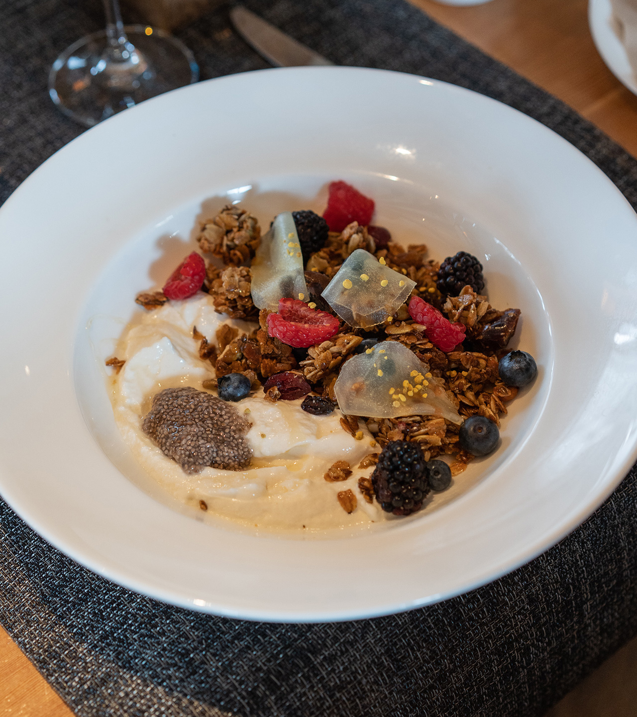 Power bowl with elderflower, chia seeds and bee pollen.