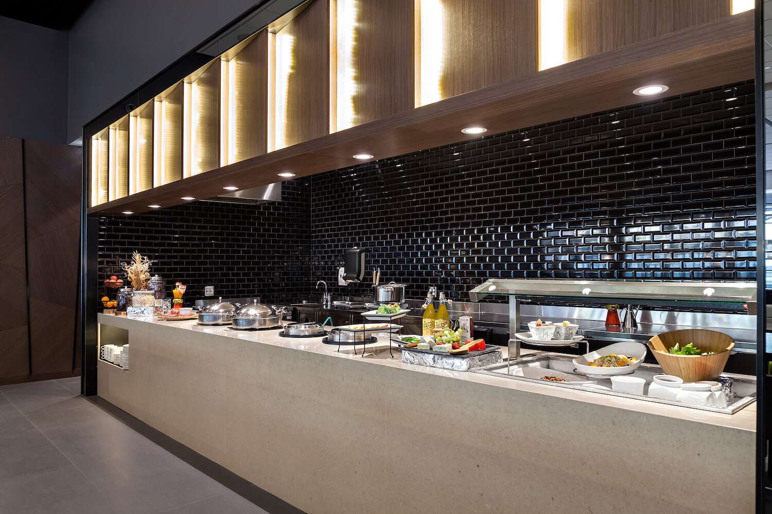 Healthy and tasty buffet to refuel during your travels.