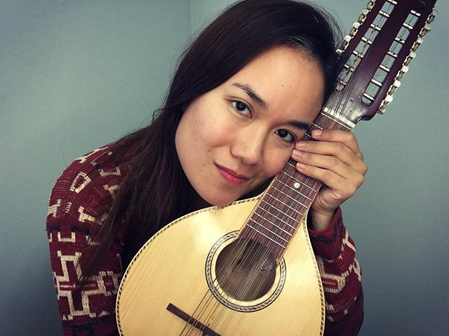 Introducing my 14-string Philippine banduria, which I'm hoping will inspire some writing in the future.  In the meantime, I'm playing a wonderful songwriter's circle at London Music Club with @noellecoughlin, @martykolls, and @youcancallmegus this Saturday at 8 pm.  Excited to share some new tunes, come say hi if you can! 💙dc  #londonmusicclub #londonontario #banduria #philippines🇵🇭