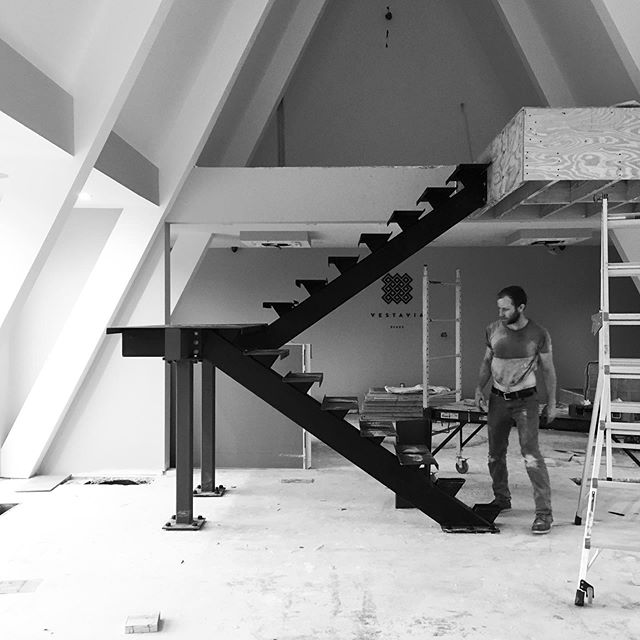 installed two (heavy) single stringer stairs this week. thanks for the extra hands @the_franklin_frost #blackshopbham . . . #steel #metal #fabrication #installation #welding #design #details #modern #contemporary #stair #singlestringer #heavy