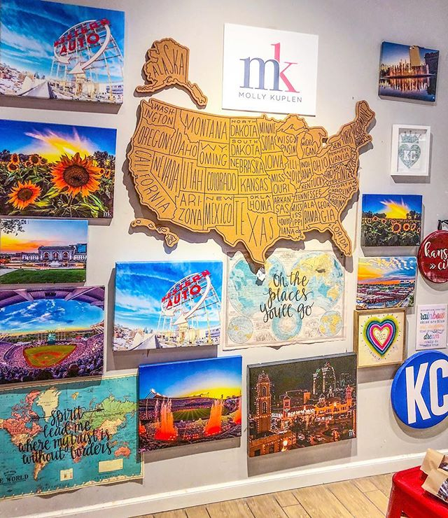 """@hmkplaza is all stocked up and ready for spring! The sun is finally out and if you ask me, this is perfect """"plaza weather"""" 😉☀️💗 • • • • #wallart #canvasprints #canvas #kansas #missouri #kansascity #decor #homedecor #colorful #decorations #homeoffice #giftideas #countryclubplaza #kcmo #hallmark #hallmarkstores #walldecor #interiordesign #photography #art #artistsoninstagram #artsy #plaza #instakc #sunflowers #royals #downtownskyline #mollykuplen"""