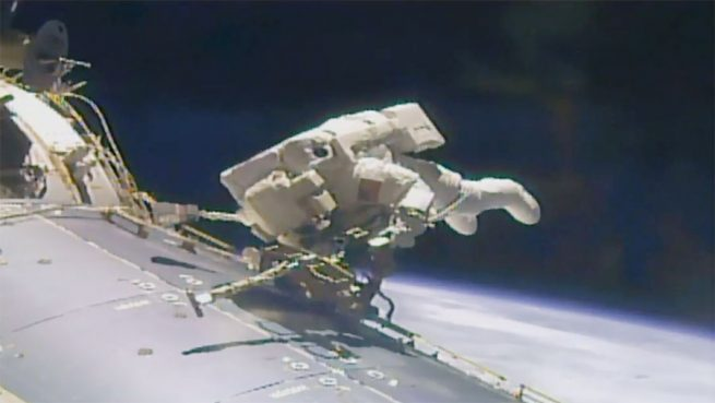 Fischer during EVA-42. Photo Credit: NASA TV Read more at http://www.spaceflightinsider.com/missions/iss/astronauts-complete-200th-iss-spacewalk/#crYLIXvFx4LP7qGQ.99