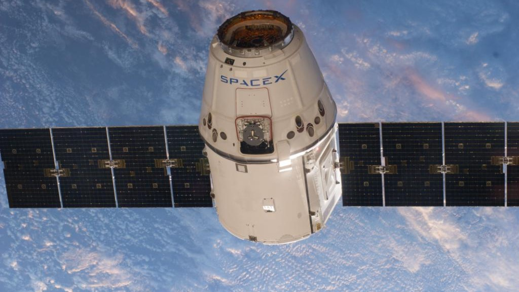 File photo of a previous Dragon on final approach to the ISS. Credit: NASA