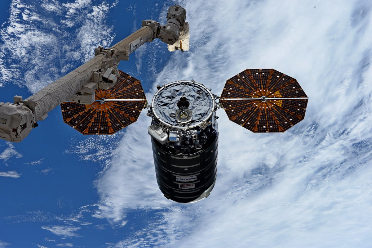 A Cygnus spacecraft is grappled by the robotic Canadarm2. If there is a destination gap starting in 2025, current commercial cargo and future commercial crew spacecraft may have to stay grounded for years. Credit: NASA