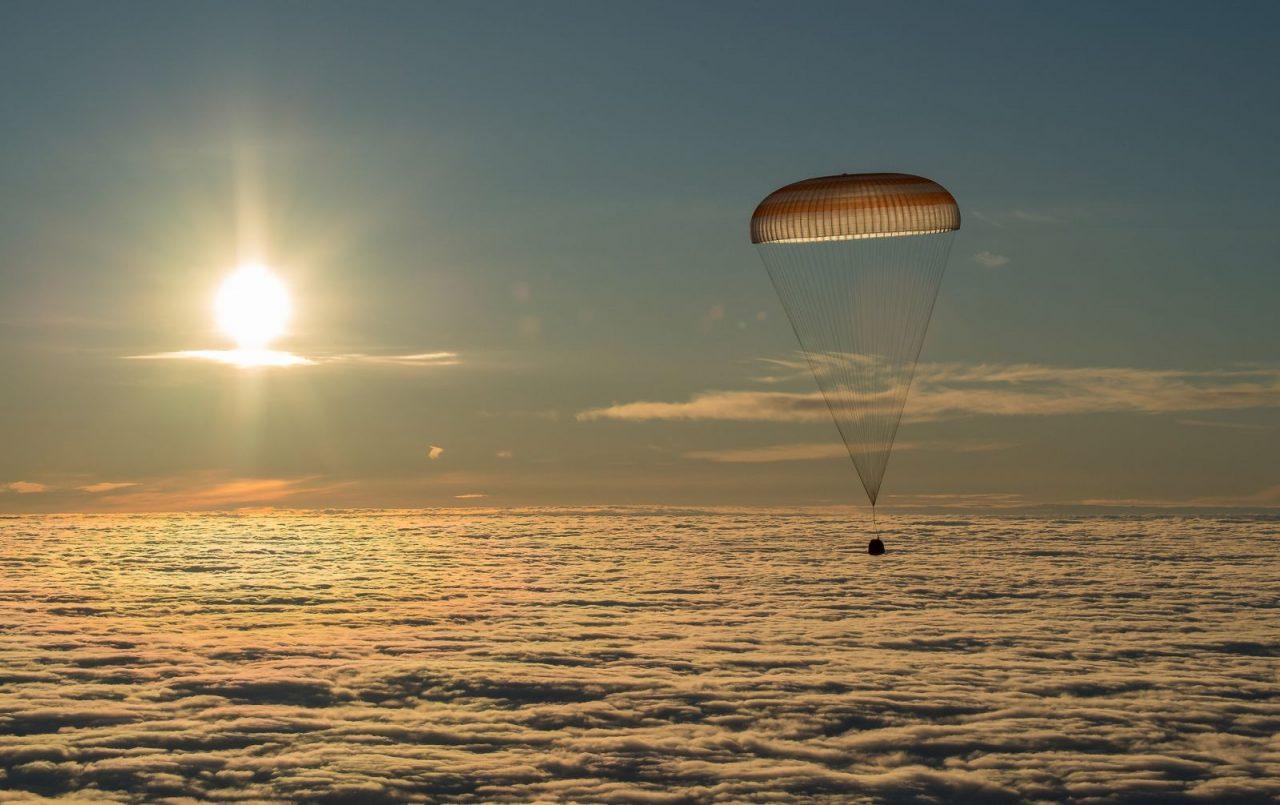 Soyuz MS-06 descends with Expedition 54 crew members Alexander Misurkin of Roscosmos, and Joe Acaba and Mark Vande Hei of NASA. Credit: Bill Ingalls/NASA