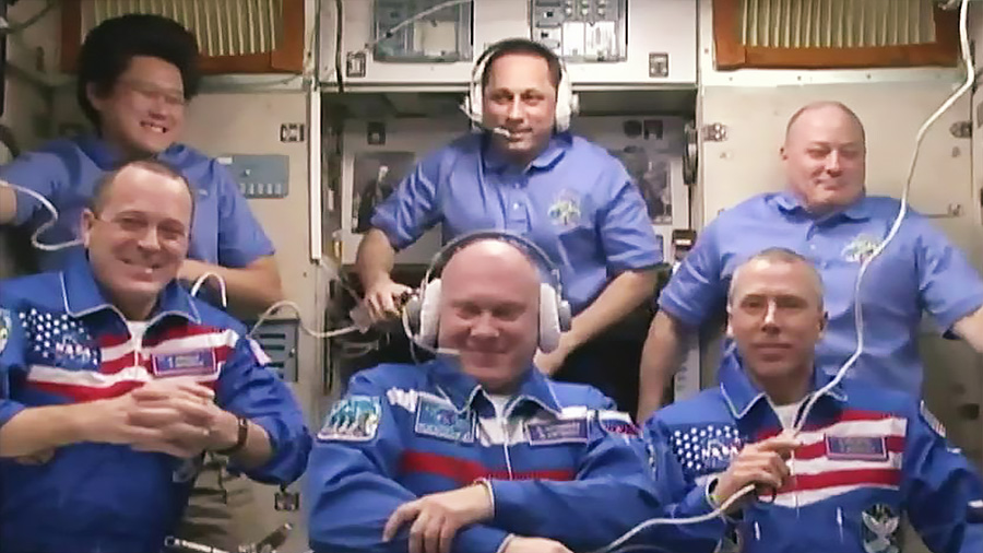 The full Expedition 55 crew. Top row from left to right: Norishige Kanai, Anton Shkaplerov and Scott Tingle. Bottom row from left to right: Ricky Arnold, Oleg Artemyev and Drew Feustel. Credit: NASA TV