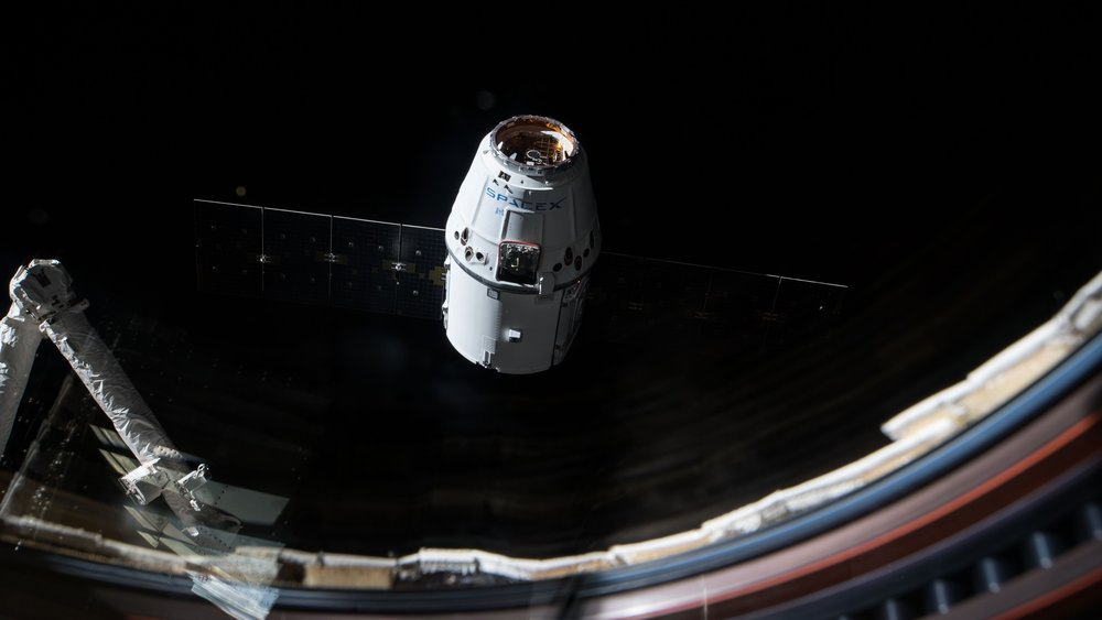 CRS-13 Dragon as seen from inside the space station's Cupola window during its Dec. 17, 2017, arrival. Credit: NASA