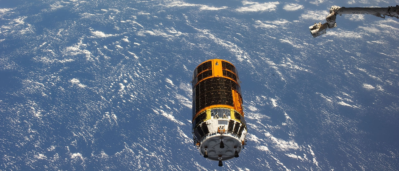 1280px-ISS-27_HTV-2_departs_from_the_station.jpg