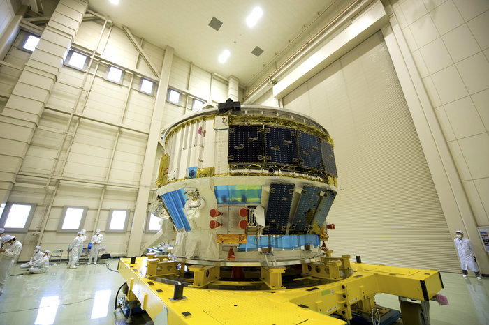 The combined avionics and propulsion modules of the Kounotori spacecraft. Credit: ESA