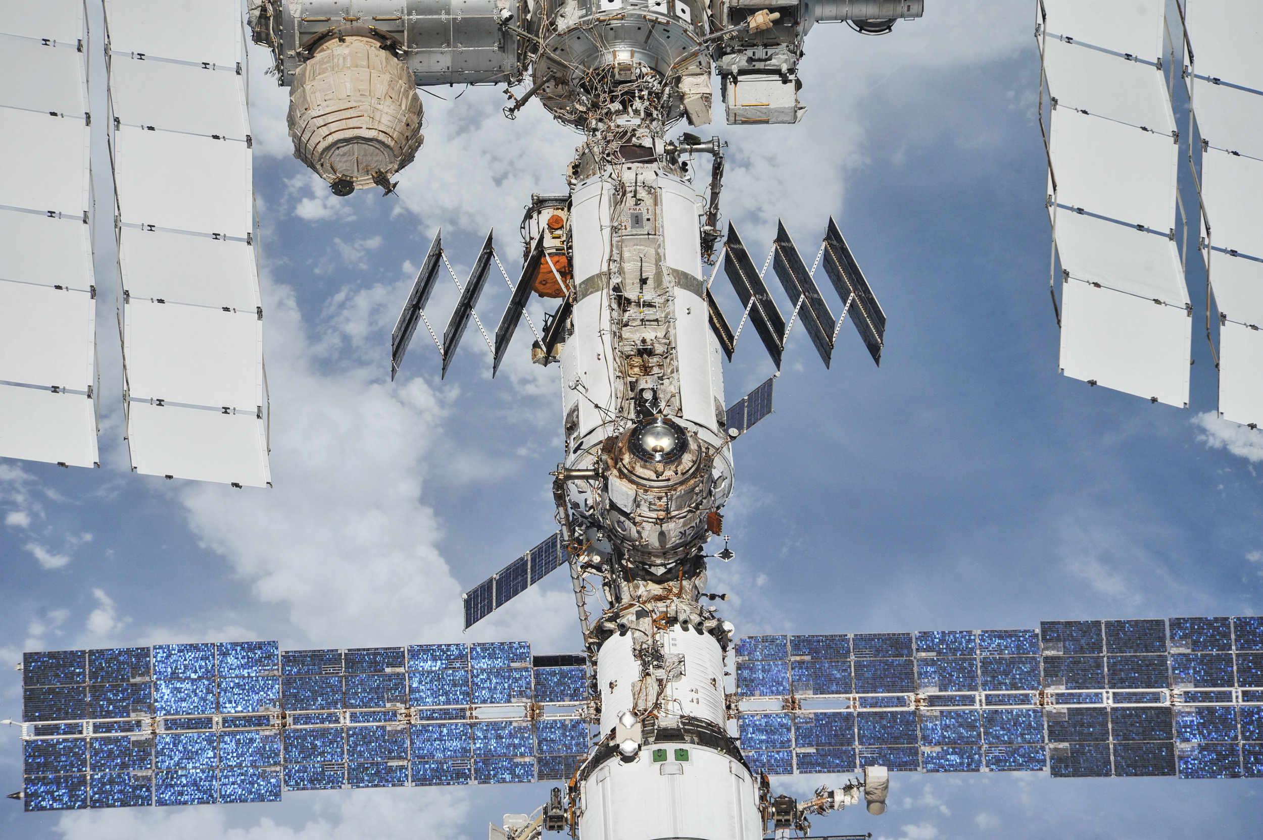 the-international-space-station-as-of-oct-4-2018_44722263875_o.jpg