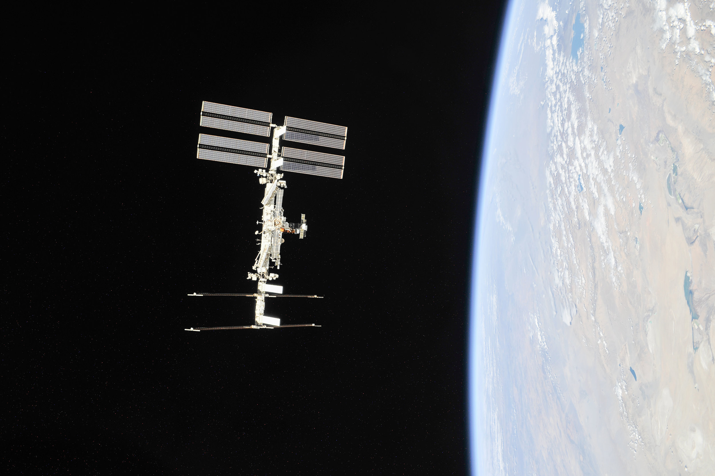 the-international-space-station-as-of-oct-4-2018_44911461494_o.jpg