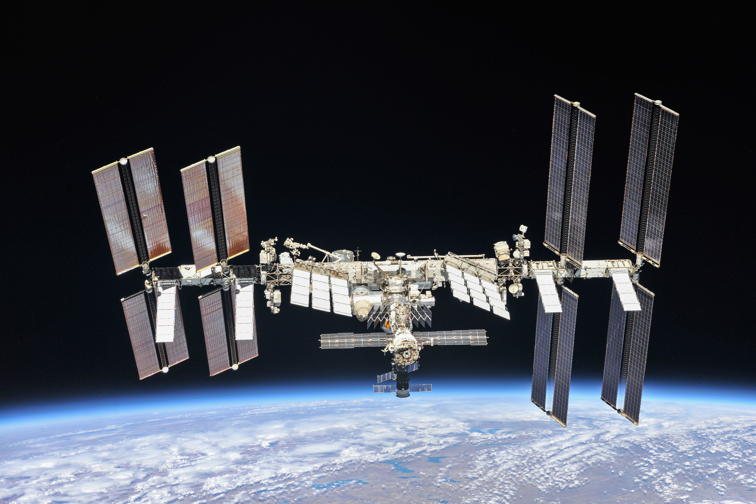 the-international-space-station-as-of-oct-4-2018_44911459904_o.jpg