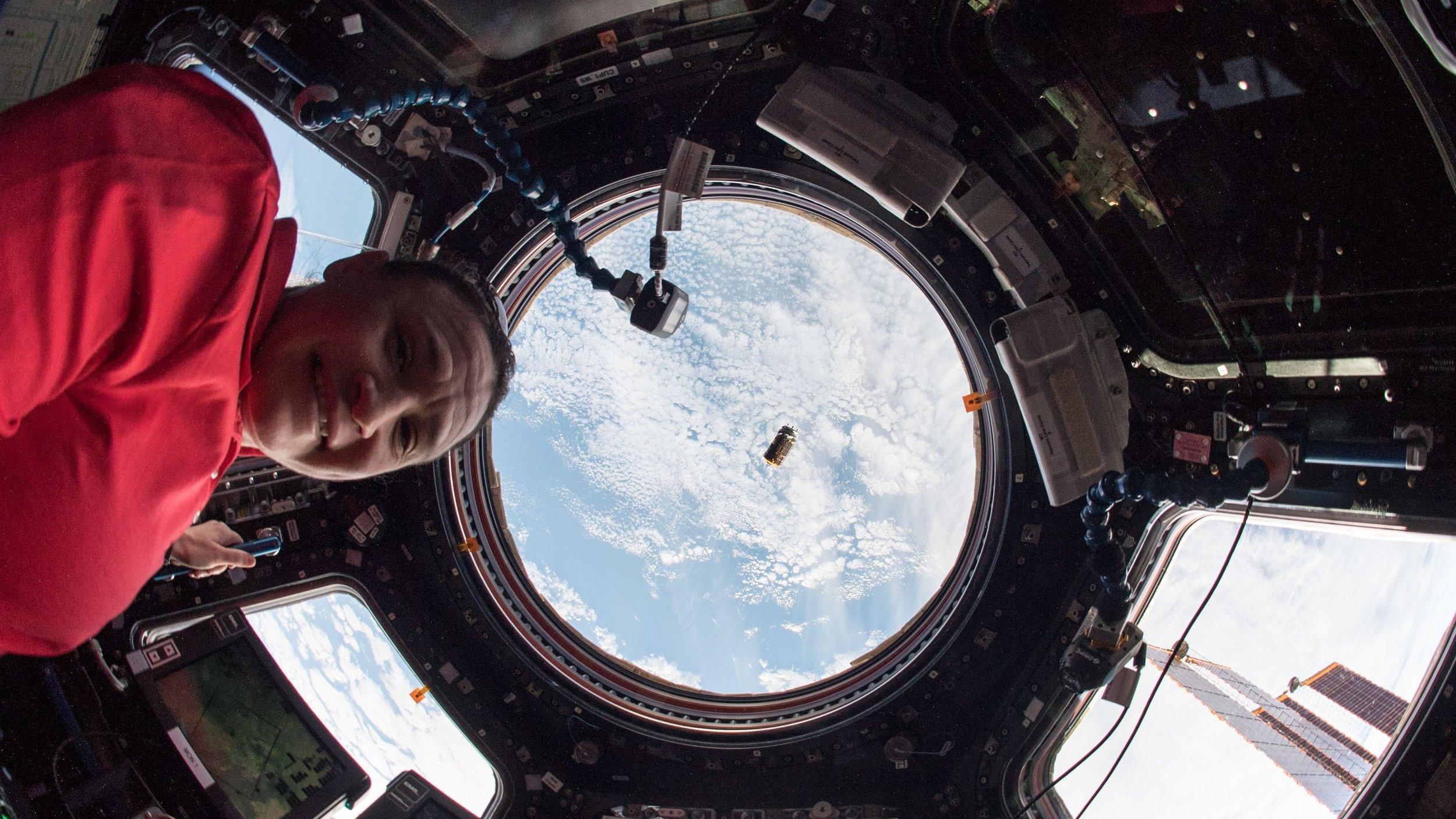NASA astronaut Serena Aunon-Chancellor monitors the arrival of Kounotori 7 before it was captured Sept. 27, 2018. Credit: NASA