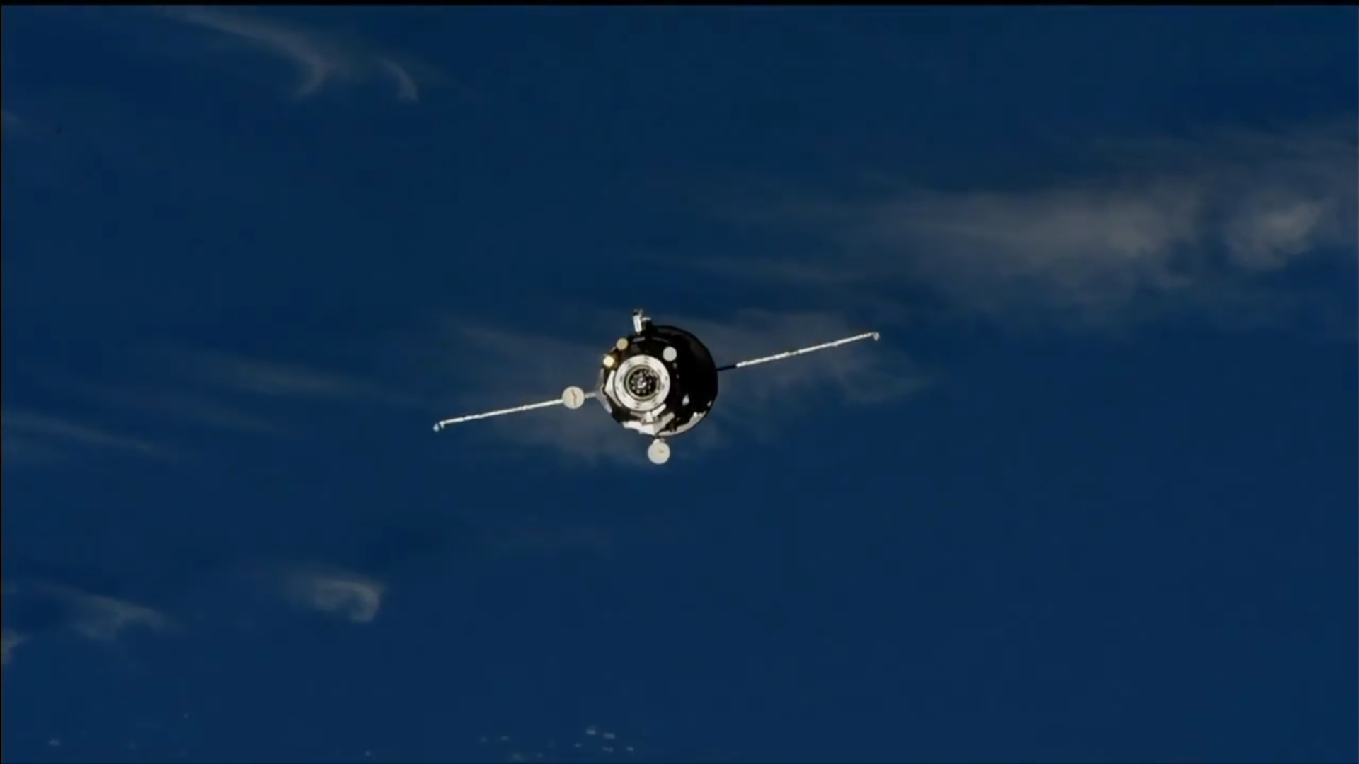 Progress MS-10 on final approach to the ISS. Credit: NASA