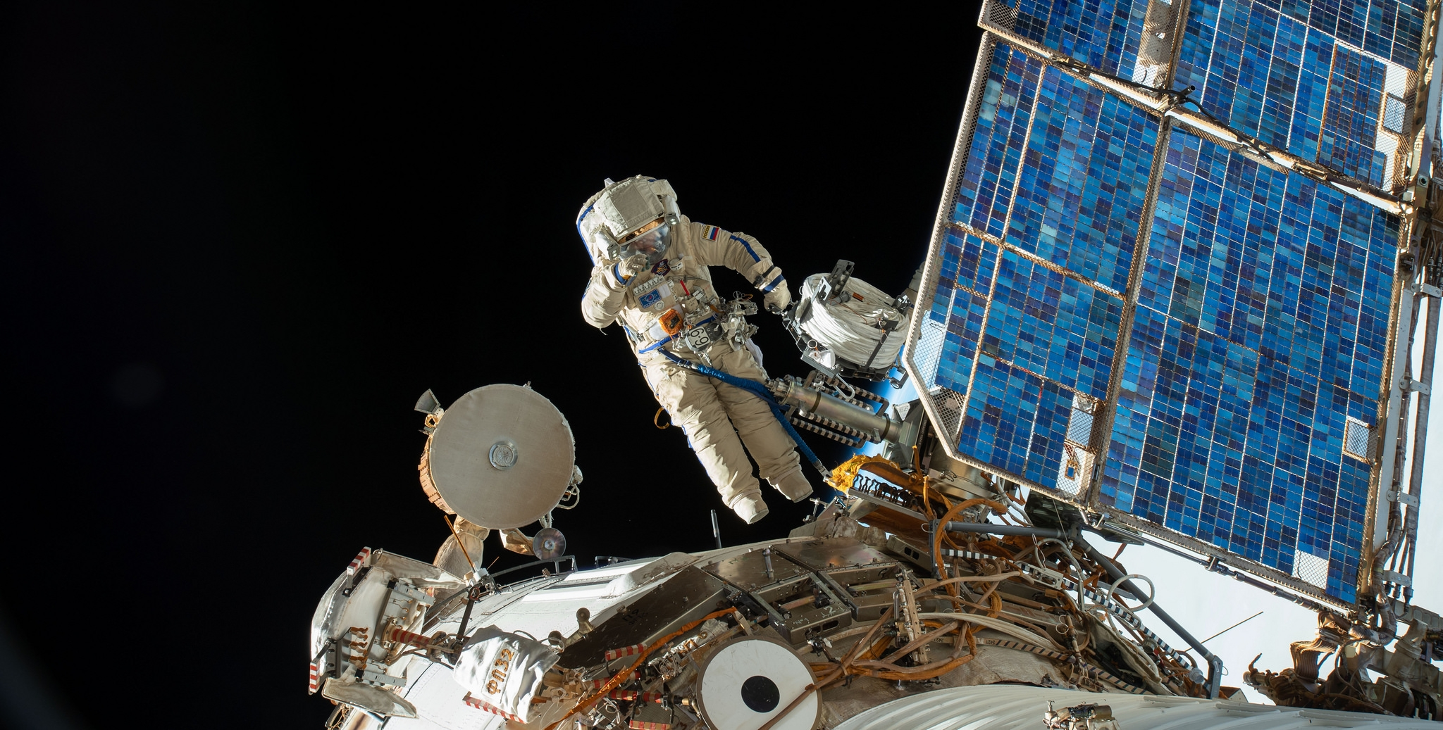 File photo of a previous Russian spacewalk at the International Space Station. Credit: NASA