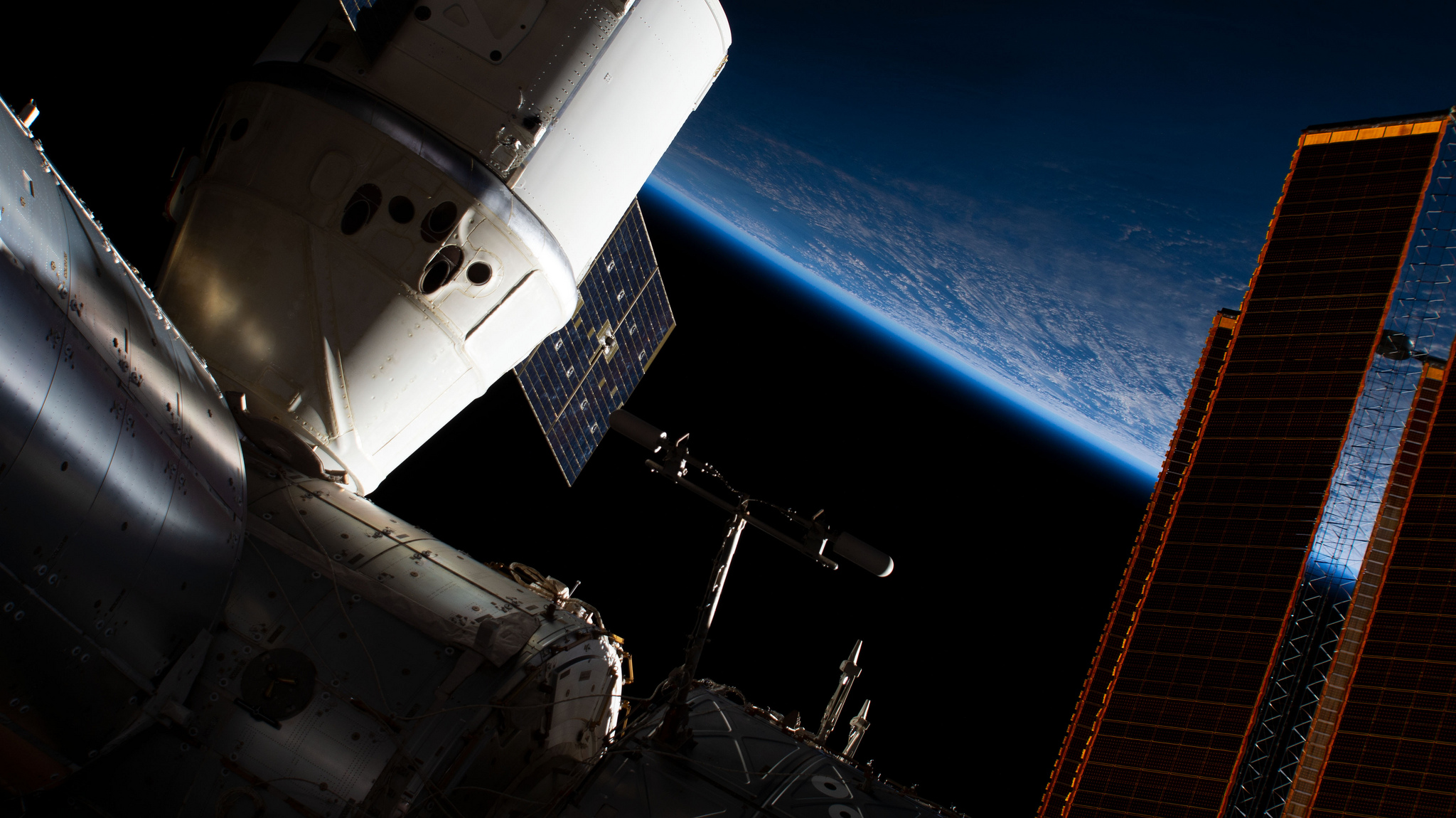 The CRS-16 Dragon as seen attached to the Earth-facing port of the Harmony module. Credit: NASA