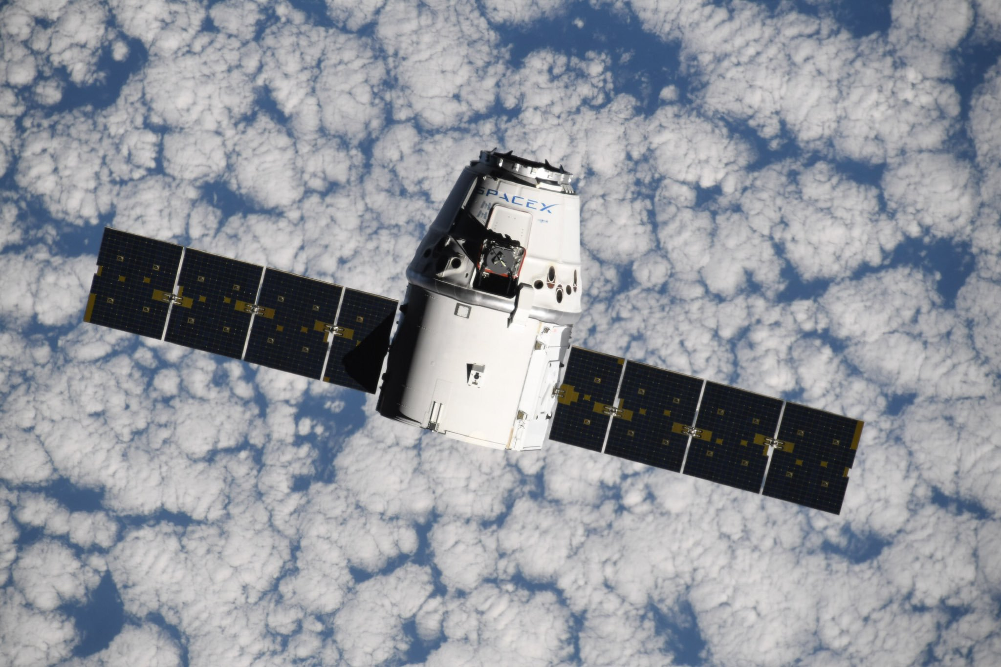 The CRS-18 Dragon capsule rendezvous with the ISS. Credit: NASA