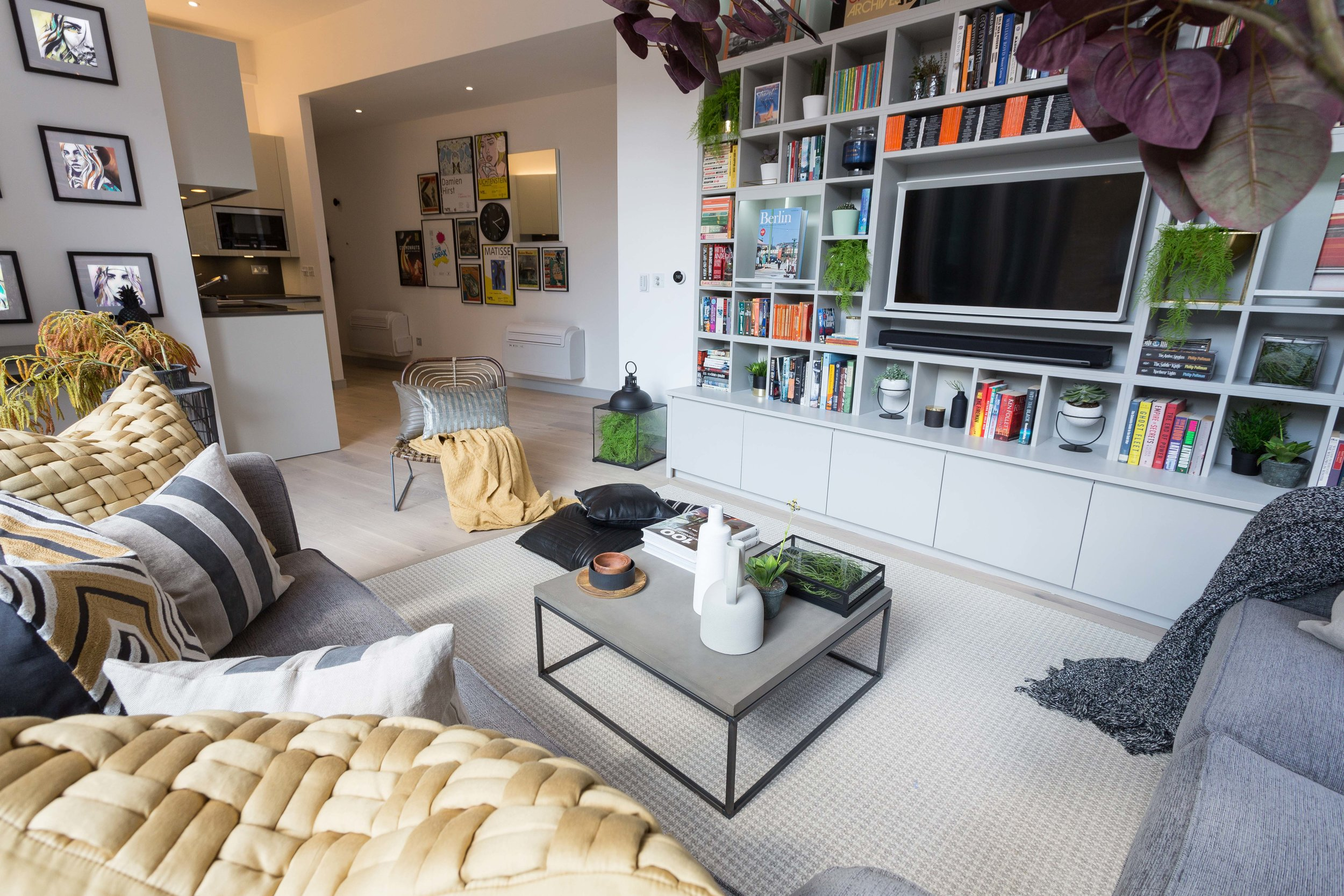 BANKSIDE APARTMENT   Customised shelving and new air-con for a Thames river apartment