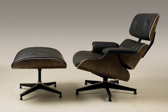Classic Eames Lounge Chair