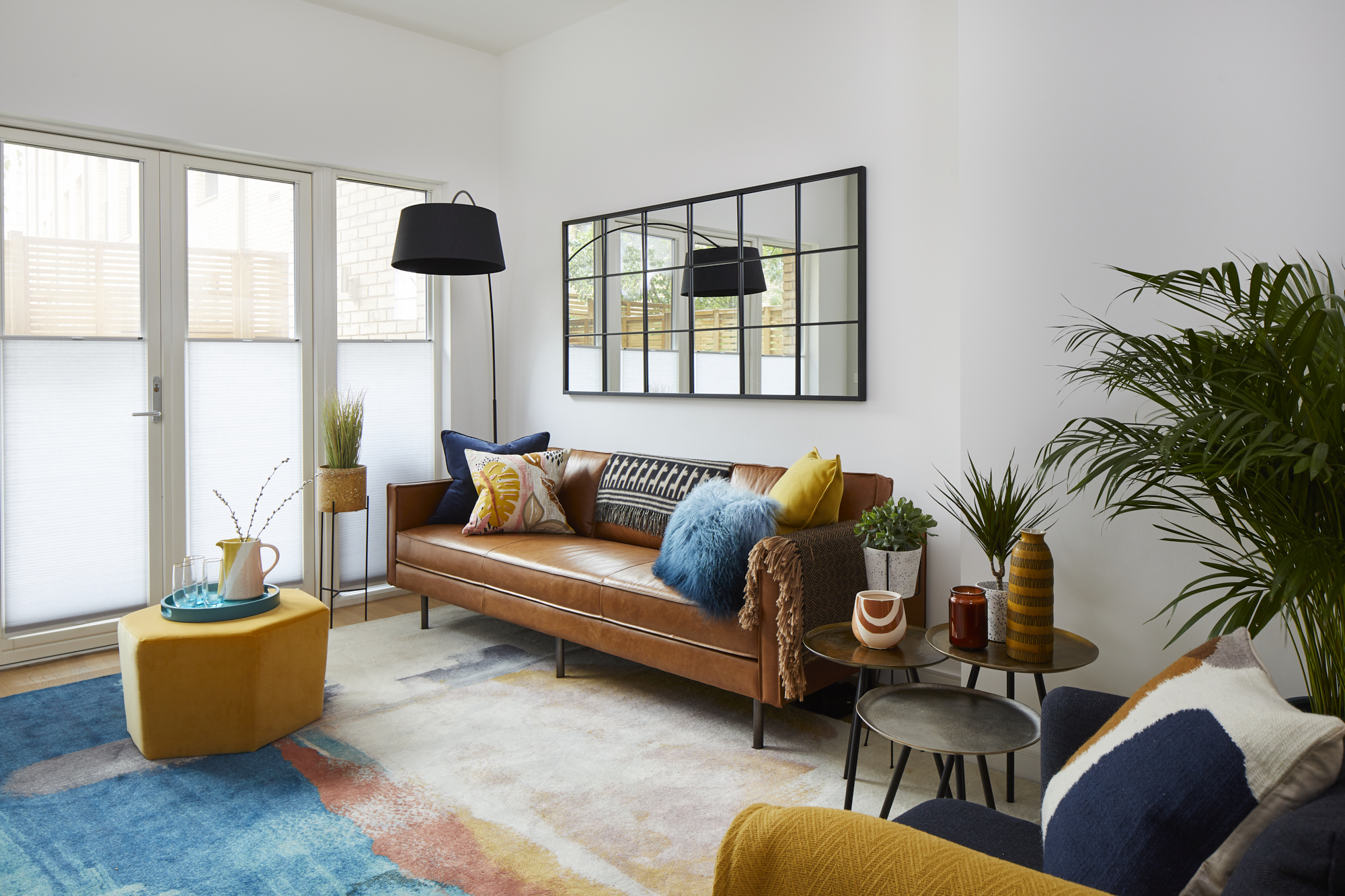 SUMMER Styling IN STRATFORD   CREATING A NEW LOOK FOR A FOUR-BED APARTMENT in EAST LONDON