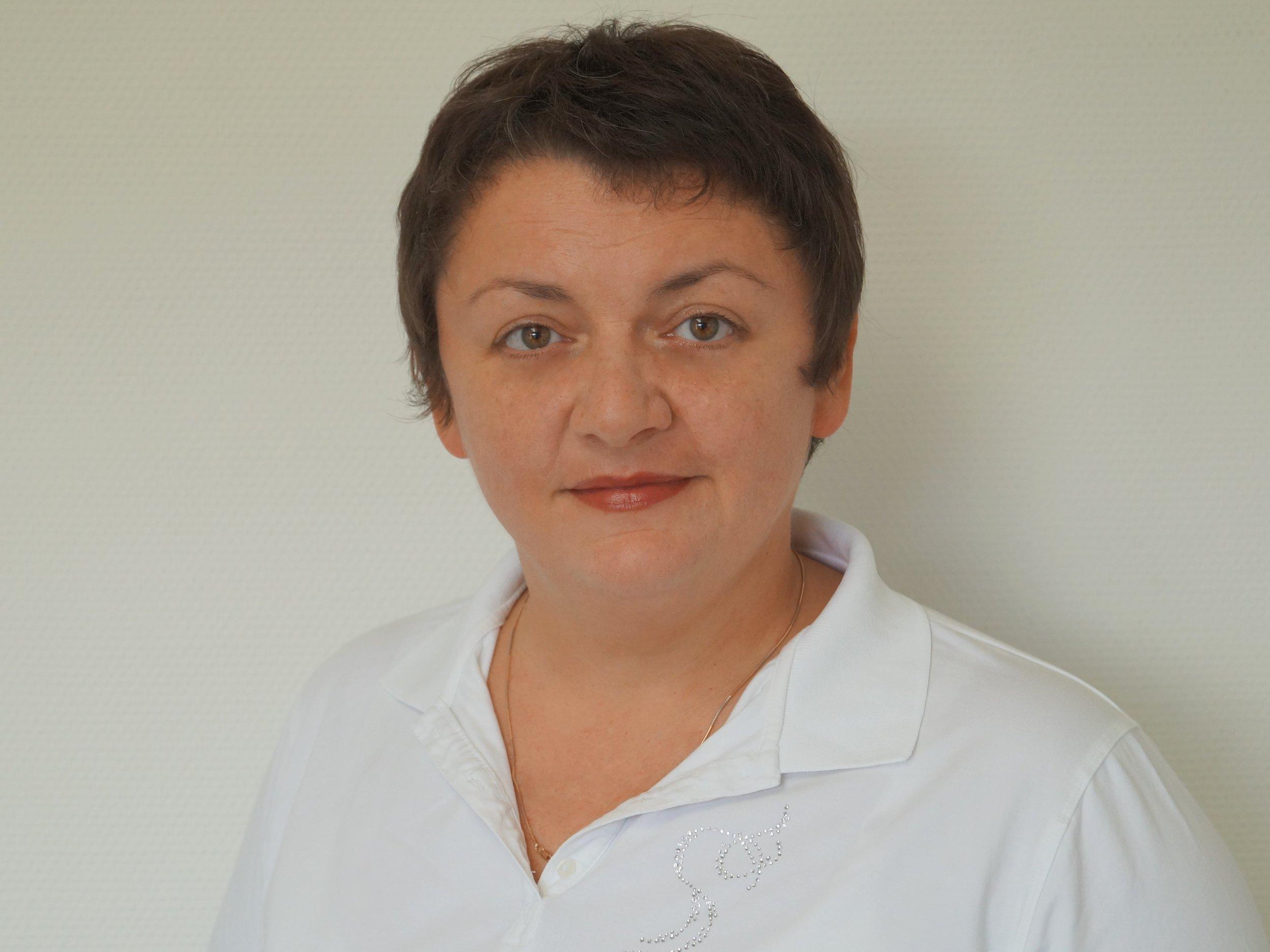 Врач - Стоматолог - Выпускница стоматологического отделения Национального медицинского университета имени А. А. Богомольца.Более 20 лет опыта работы в Украине и Германии.