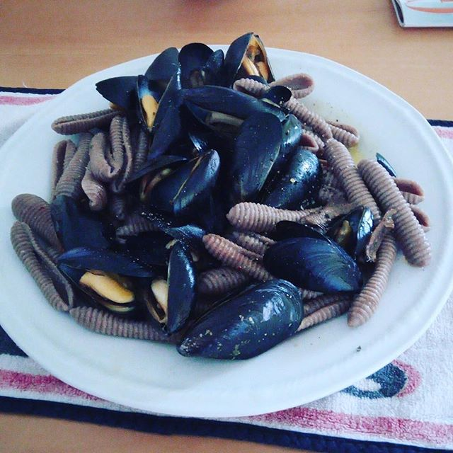 Pasta with cozze made with Lielit Teff cooked and eaten by Mimmo 😋 #healthfoods #teff #glutenfree #glutenfreefood #healthfoods #pasta