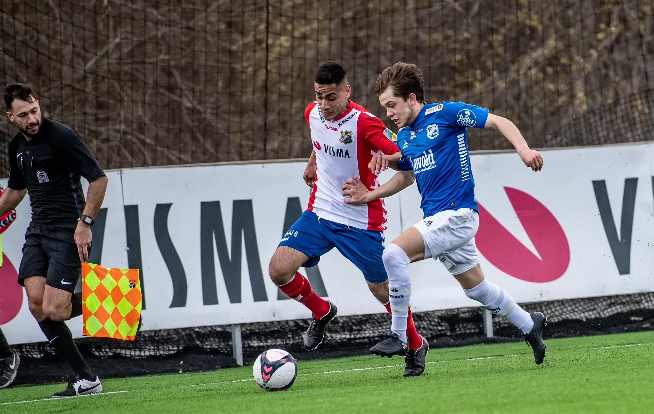 Adil Zahid debuterte fra start med mål og målgivende (foto: Lars Opstad)