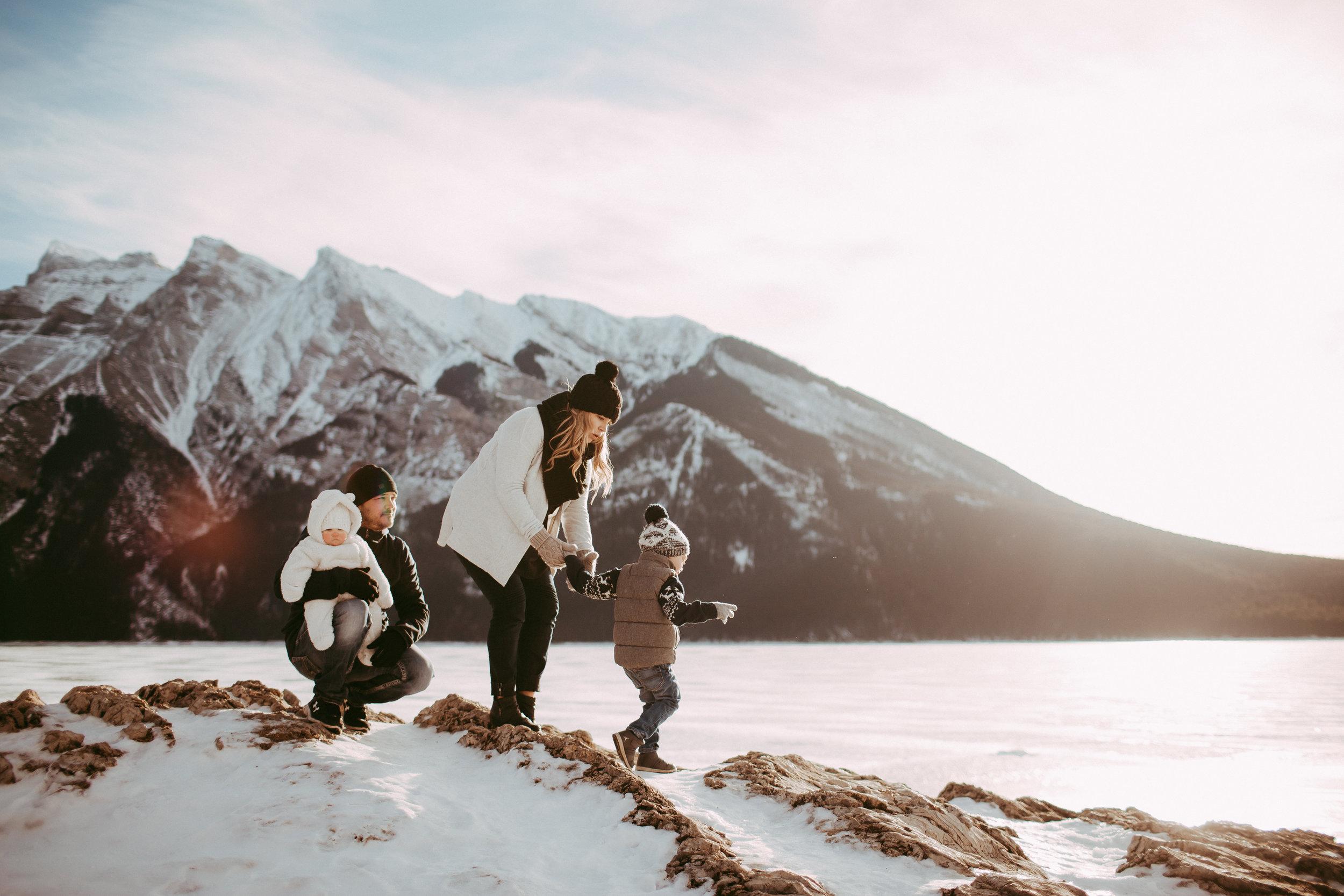 Warawa Family Banff_20170121-13.jpg