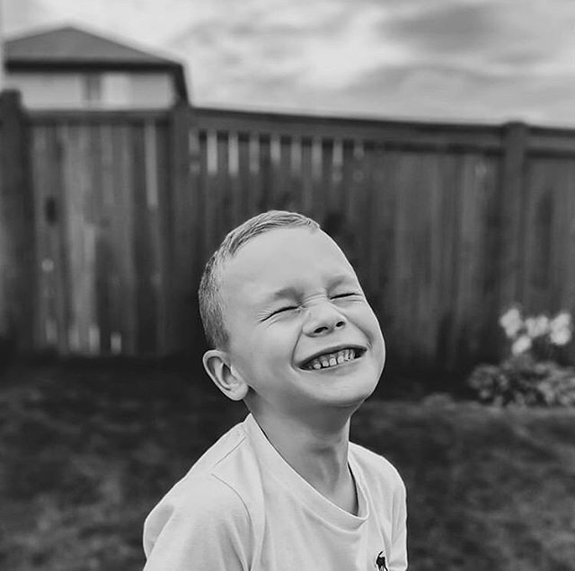 """""""If you see someone without a smile, give them one of yours."""" - Dolly Parton  Gorgeous image by the amazing @krista.grantmyre  Featured by guest mod: @daniellemacinnes_photography  Keep tagging your beautiful images with #spectrum_inspired to be featured 💙✨"""