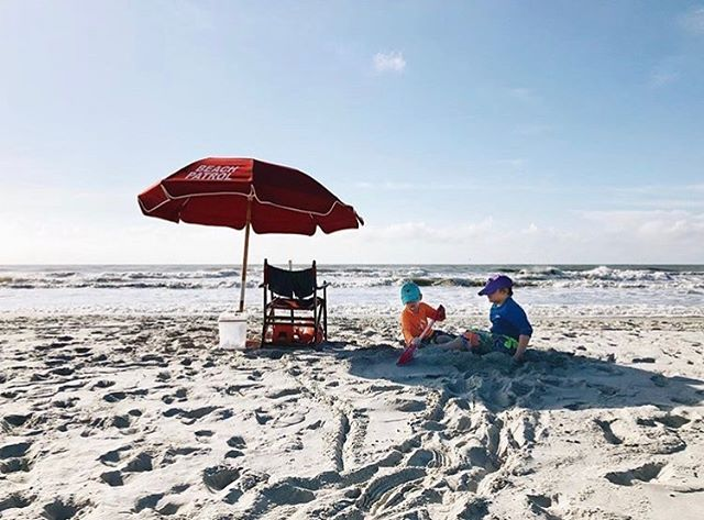 Cutest little lifeguards around! I'd love to be transported right to this spot ✨  Beautiful image by: @exploringsuburbia  Featured by guest mod: @daniellemacinnes_photography  Keep tagging your beautiful images with #spectrum_inspired to be featured 💙✨