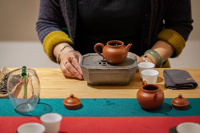 Thanks for everyone who fought NYC's freezing temperature and joined us this Saturday. Ten rounds brewing of Bing Dao Pu'er was well with it, wasn't it? More authentic rare tea tastings are on the way, we promise! . . . . . 📸 by @assisterah