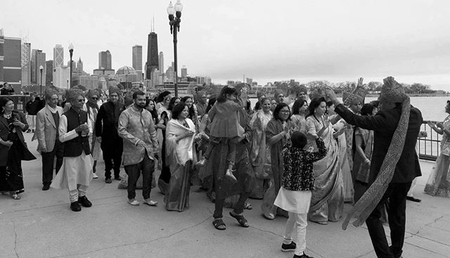 Outdoor baraats are the go-to option for our #brides and #grooms, especially when there is a beautiful Chicago skyline as a backdrop. Don't forget to give your guests a heads up so they can dress appropriately for the weather! . . . #partywithluxe #baraat #chicagowedding #bride #groom #bridalparty #indianbride #brideandgroom #indiangroom #love #kapesha #navypier