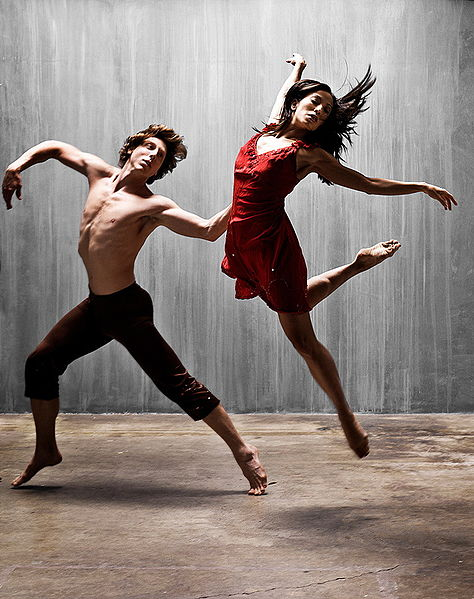 474px-Two_dancers.jpg