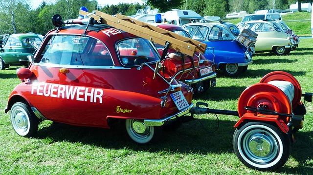 Rarity-Old-Snogging-Ball-Bmw-Isetta-Oldtimer-Fire-1752068.jpg