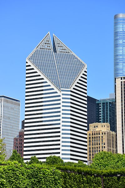 Crain_Communications_Building_in_Chicago,_May_2016.jpg