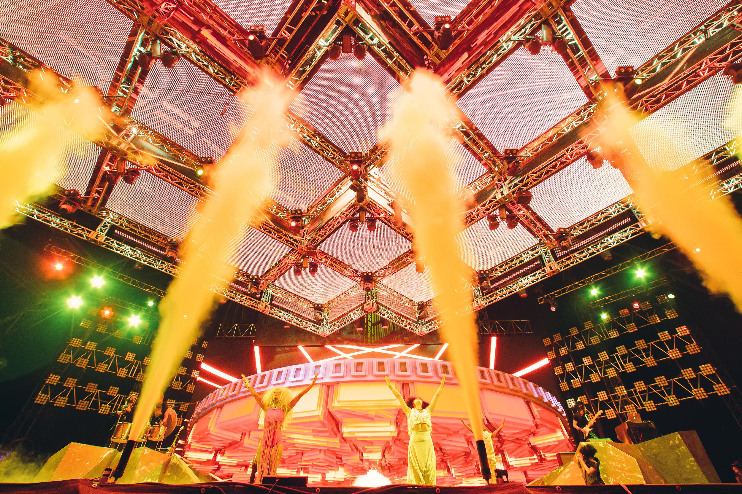 Lucent Dossier Dancers Stage 3D Coachella 2016 Jorge.jpg