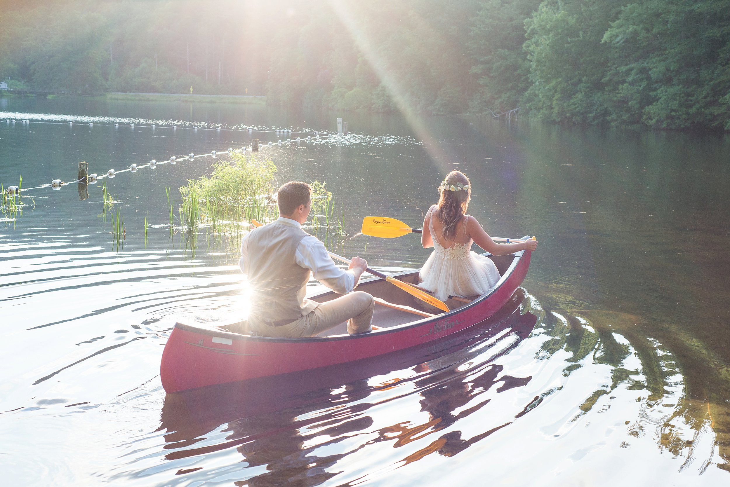 Had to take the canoe out for a spin! I LOVE these photos. It's been a huge dream of mine to take canoe photos at a wedding. These absolutely made my day!