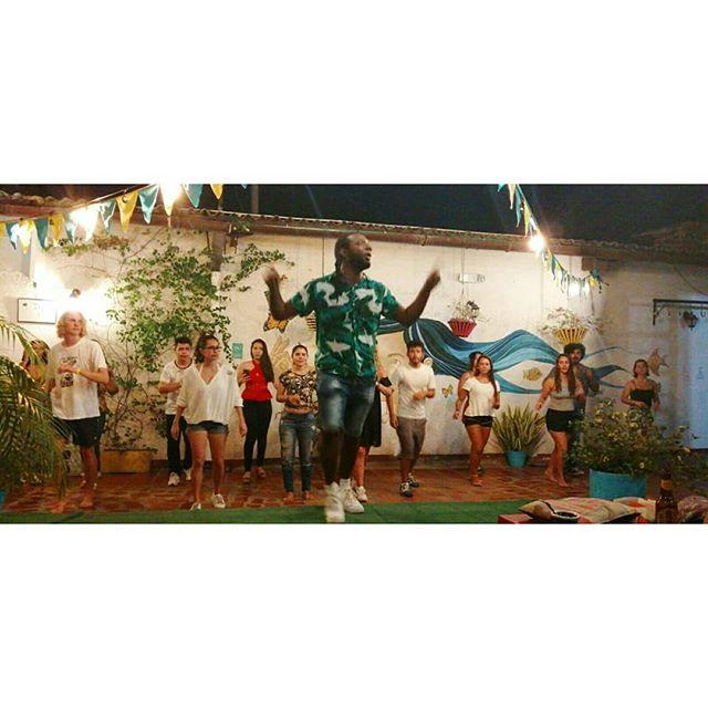 ¿Listos para la clase de #salsa de hoy? ¡Los esperamos! 9 PM, entrada libre, happyhour hasta las 12 AM, free shots a los mejores participantes 👌😉 ¡Vamos a bailar! 💃💃 ° ° ° ° ° ° ¡Contáctanos! 📞+57 3203644260, +57 (5) 4207305 📩 mulatahostelcolombia@gmail.com ° ° ° ° ° ° ° #salsa #salseros #dance #salsaclass #baile #hostels #santamarta #backpacking #hostelife #loveandtravel #chillculturalandfun #tourism #travel #caribbean #destinations #colombianhostels #santamartaiscrazy #samaland #santamartacultural #santamartainforma #naturalmentemágica #bahia #samaland #turismo #viajes #mochilero #photography #agendatsantamarta #freeshot