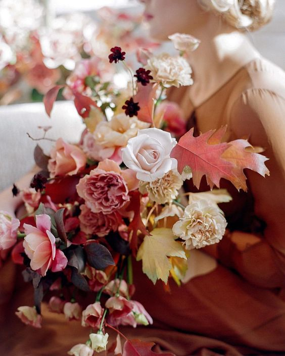 Florist .   Siloh Floral Artistry    |   Photographer .  Laura Murray