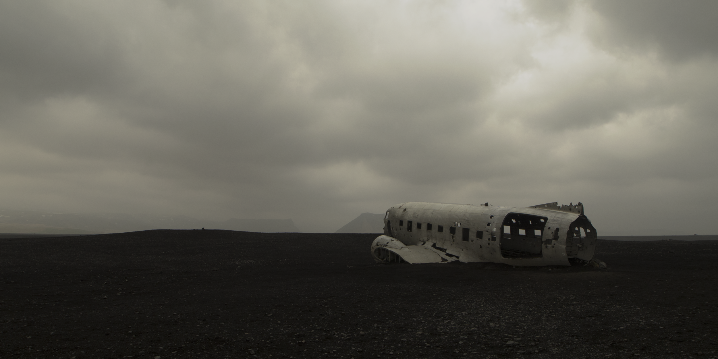 ICELAND_DC8CRASH_20x10.png
